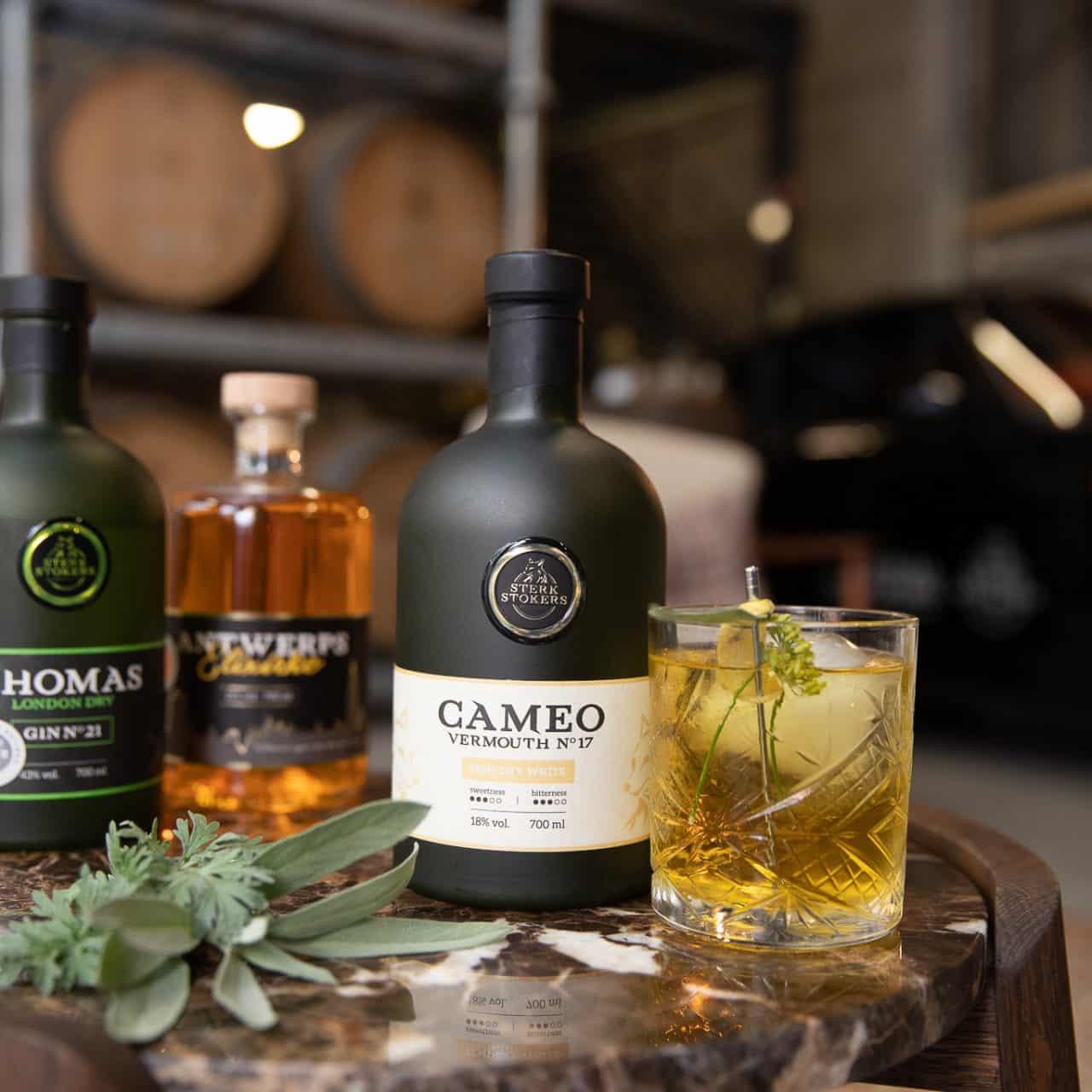 Cameo Vermouth 17 van Sterkstokers met glas